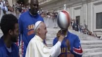 Raw: Globetrotters Teach Pope New Tricks