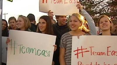 SM East Students Support Principal After Tweet