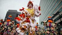 Mummers make their annual strut in Philadelphia