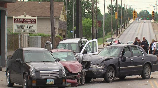 Noon: Crash after police chase