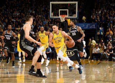 柯瑞狂射10記三分彈滅國王 再次刷新NBA紀錄