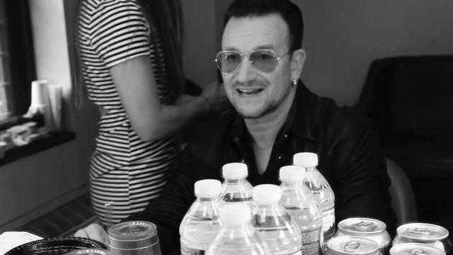 David Letterman - Web Exclusive: Bono Talks About The (RED) Auction