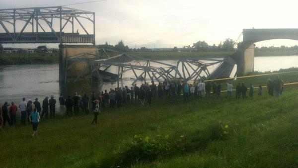 Washington I-5 bridge collapse caused by oversize load