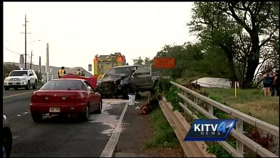 3 car crash in Nanakuli causes boat and vehicle to flip over
