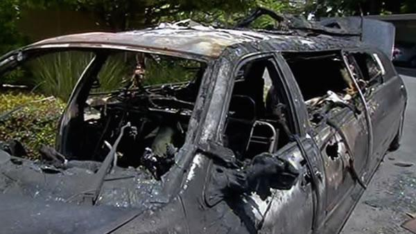 Elderly women escape limo fire in Walnut Creek