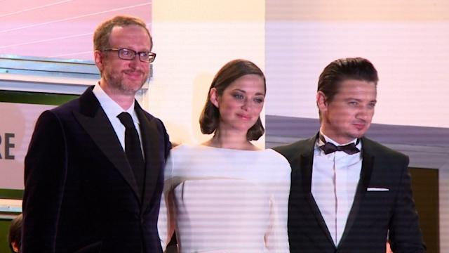 Stars shine on red carpet at Cannes