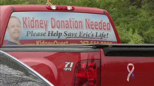 Family uses signs, social media to find kidney donors
