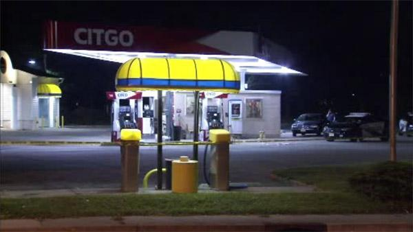 Gas station worker beaten with bat in Willingboro, New Jersey