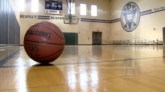 Butler County HS freshman dies after collapsing at basketball game