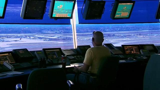 FAA controllers have extreme schedules, report shows