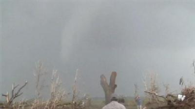 Raw Video: Tornado Outbreak In Central Okla.