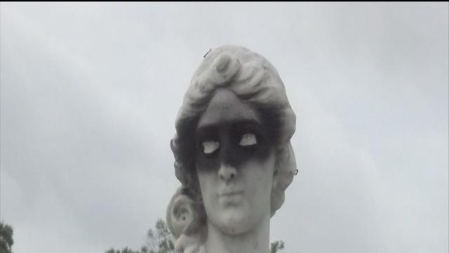 Historic Snell Isle statues vandalized