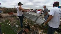 Volunteers from across U.S. help tornado victims in Okla.