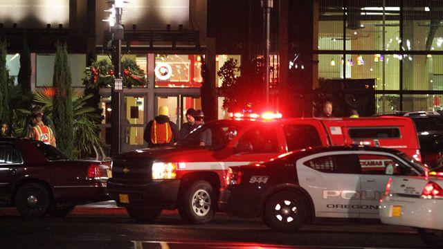 Search for answers in Oregon mall shooting
