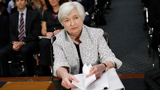 Yellen Wary of Job Market, Slow Wage Growth