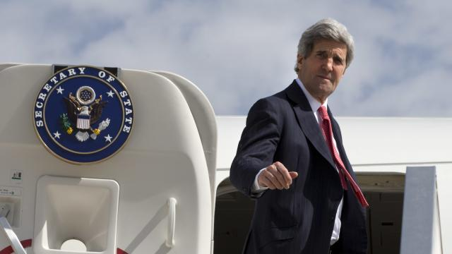 Kerry Returns To Middle East For Flailing Peace Talks