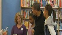Raw: Obama, daughters go Christmas shopping