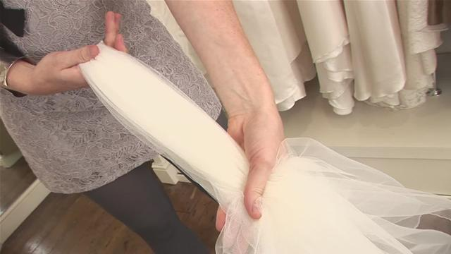How To Put Out An Ivory Wedding Veil