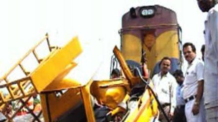 Train hit vehicle at unmanned crossing in Odisha ,13 dead