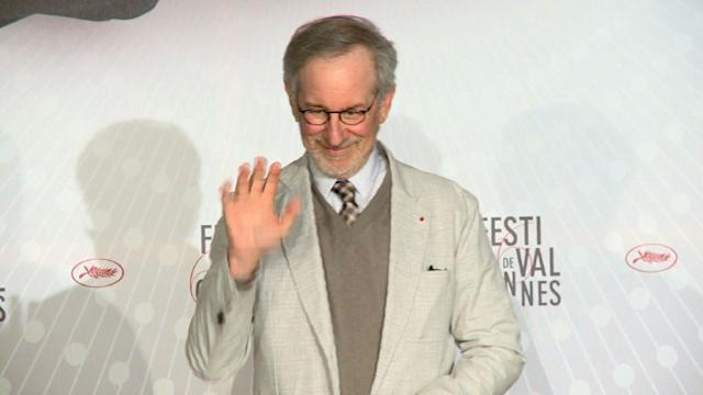 Jury presides over Cannes Film Festival opening