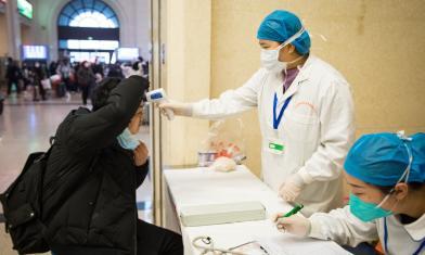 疫情延燒 陸確診830病例已26死
