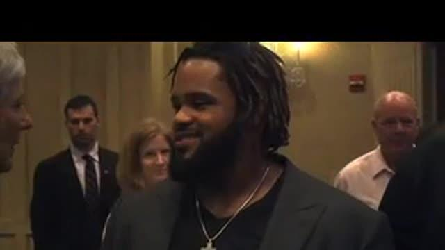 Fielder gives back at wine charity event