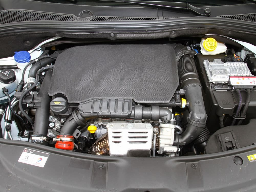 搭載與208、308相同的1.2升直列三缸渦輪增壓汽油引擎,最大馬力110hp、最大扭力20.9kgm。
