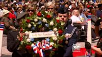 Chicagoans Remember Fallen Vets With Wreath Laying, Parade