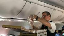 Pilot orders pizza for everyone on grounded flight