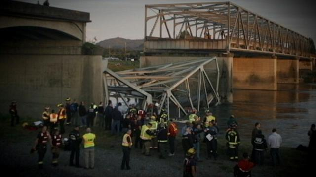 I-5 Bridge Collapses, 2 Cars Plummet Into Water
