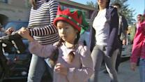 Locals continue to honor victims 1 week after Sandy Hook shooting