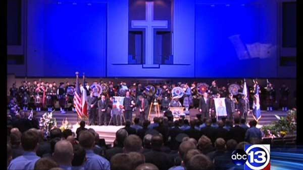 Community gathers to remember firefighters