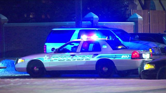 Officer shot, gunman killed during Arlington Heights stand-off