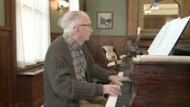 93-year-old World War II vet wants to be a piano virtuoso