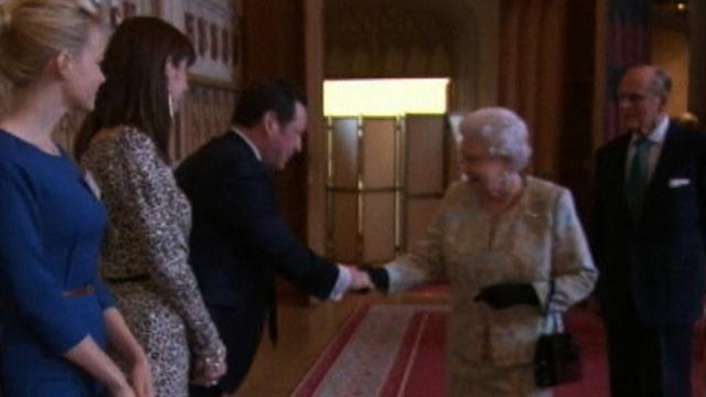 Queen Elizabeth wins honorary film award