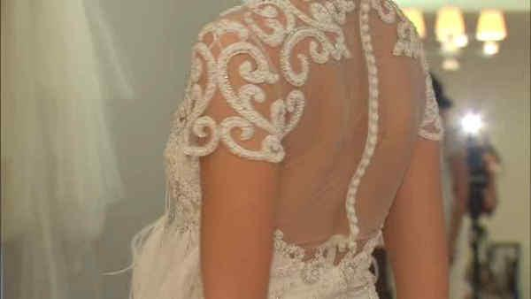 Many wedding dresses feature 1920's style