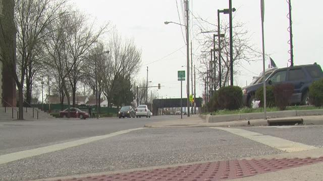 5pm: Boy escapes kidnapper in Cleveland by throwing beer bottle