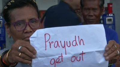 Raw: Thai Police Stifle Protests, Make Arrests