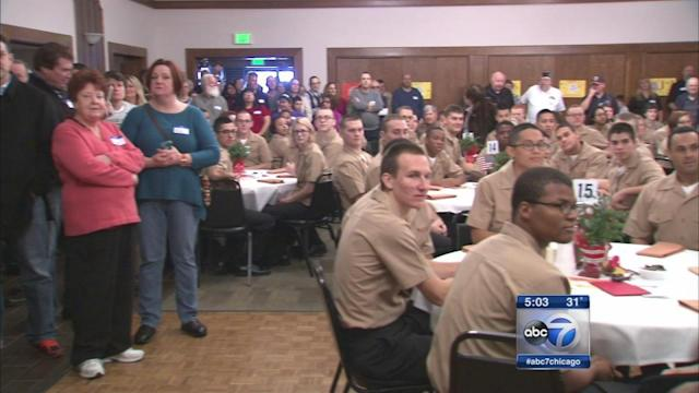Villa Park VFW hosts Thanksgiving dinner for Great Lakes recruits