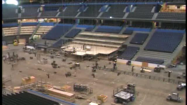 Crews install stage, lights, sound system for 2012 RNC