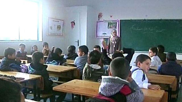 Tens of thousands of children return to school in Gaza Strip