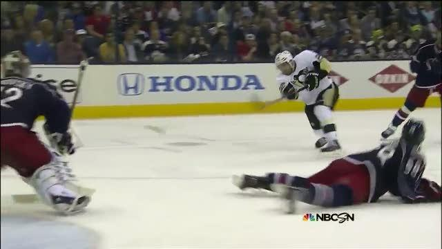 Lee Stempniak scores short side on Bobrovsky
