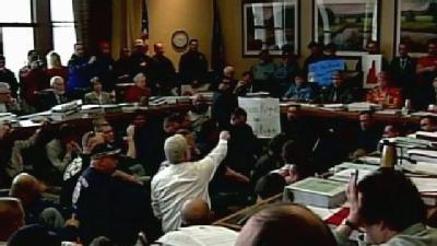 Union Members Angrily Protest Amendment