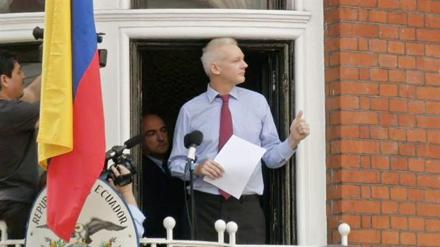 Assange asks Obama to end WikiLeaks