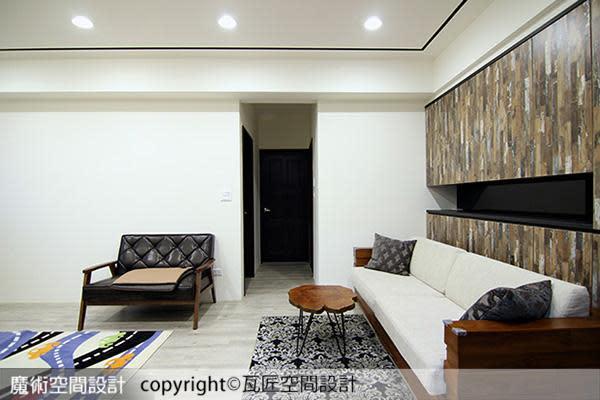 空間動線在混搭的家具陳列中自然成型,隨性中潛藏秩序。