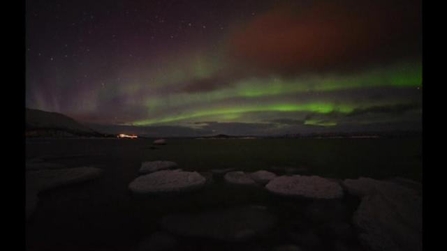 Northern lights bring spectacular Xmas to Lapland