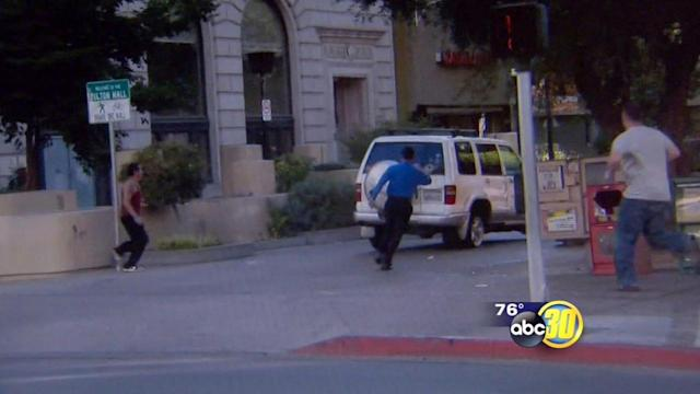 Wild chase in Downtown Fresno caught on camera