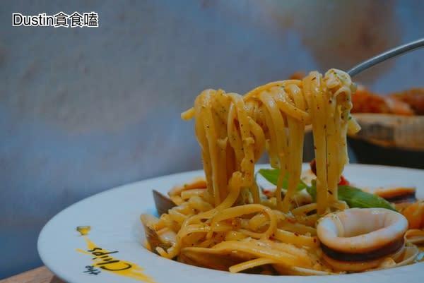 the Chips美式餐廳(板橋車站店):『板橋轉運站 · 環球購物中心』私房噴汁炸雞!義大利麵資優生| 板橋車站餐廳推薦 / 法式水果冰淇淋【the chips 板橋】