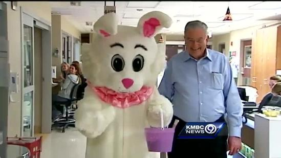 Dream Factory volunteers, Easter bunny visit kids in hospital