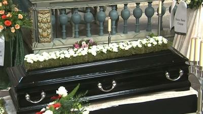 Raw: AP's Niedringhaus Laid to Rest in Germany
